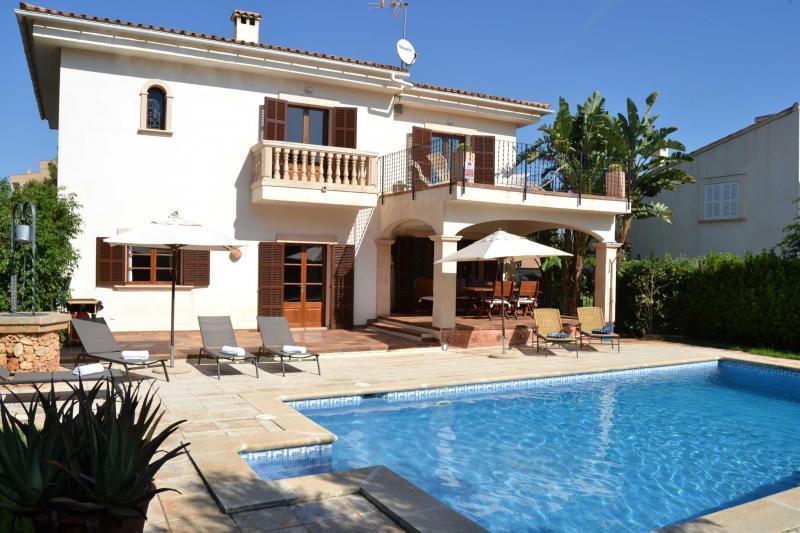 Idyllisches ferienhaus direkt am meer 8 personen porto for Mallorca haus mieten
